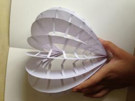 怎么做表白爱心卡片 剪纸镂空心形贺卡制作