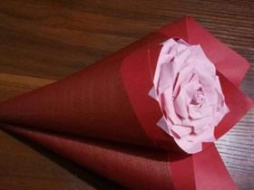 怎么简单做纸玫瑰花 彩纸手工制作玫瑰花过程