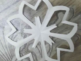 怎么手工剪纸樱花的剪法图解教程