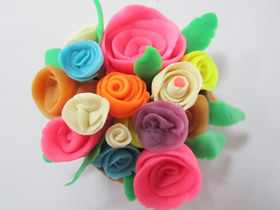 怎么手工做彩泥玫瑰花的图解教程