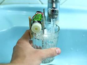怎么做水满提醒装置 水满警报器小发明制作