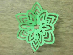 怎么剪纸六折团花的折法和剪法图解