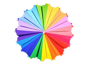 [视频]怎么用折纸飞机手工制作彩虹墙饰的方法