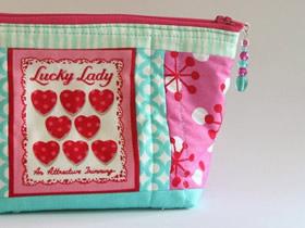 怎么做简单又可爱的串珠包包挂件的制作方法