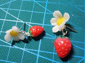 怎么做软陶草莓花朵耳钉的制作方法图解