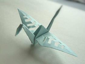怎么做带剪纸图案千纸鹤的折纸方法图解