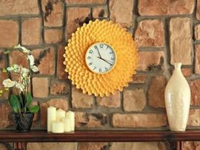 怎么用一次性塑料勺做菊花挂钟的制作方法