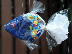 怎么用塑料袋做小鱼挂饰的手工制作方法