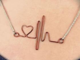 怎么用金属丝做情人节心动项链坠的制作方法