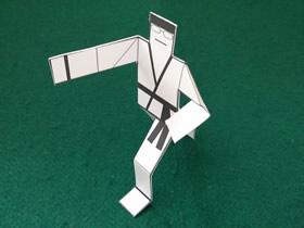 怎么折纸空手道纸片小人的折法简单又好玩