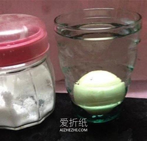 怎么用盐做让鸡蛋浮出水面的科学小实验- www.aizhezhi.com