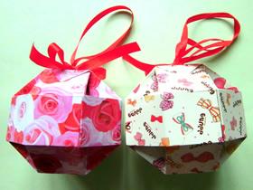怎么折纸八面玲珑绣球礼品盒的折法详细图解