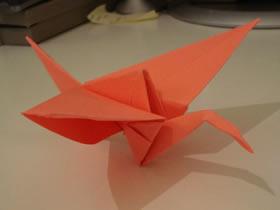 怎么折纸可以扇动翅膀纸鹤的折法步骤图解