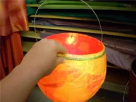 怎么用气球做元宵节花灯的制作方法图解