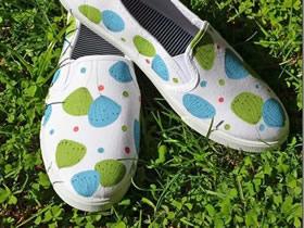 怎么用手绘做蒲公英帆布鞋的改造方法图解