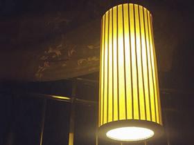 怎么用硬纸板做圆柱体挂灯装饰的制作方法