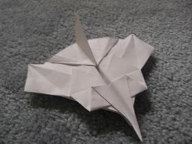 怎么折纸可以飞的战斗机的折法图解教程