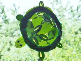 怎么用纸盘和树叶做透光乌龟装饰的制作方法