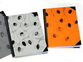 怎么用指纹画做万圣节蜘蛛书皮的制作方法