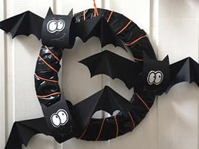 万圣节手工制作蝙蝠花环的教程