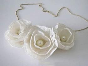 怎么用蕾丝花边做布花项链的制作方法