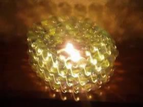 怎么用旧光盘和玻璃弹珠做烛台的方法
