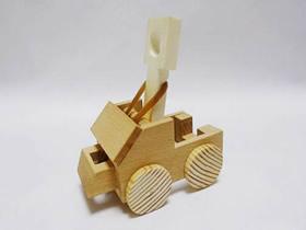 木头手工制作投石车玩具的方法