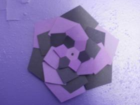 可以变化图案的纸花的制作方法