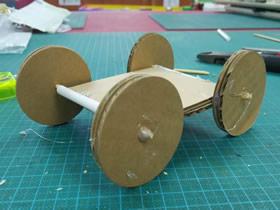 简单纸板车的制作方法