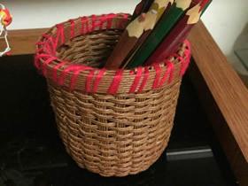 用纸藤编笔筒的方法图解