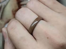 夏威夷果果壳制作戒指的方法