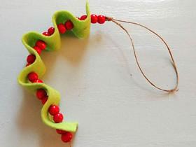 不织布手工制作圣诞节糖果装饰的教程