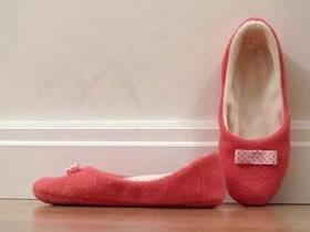用不织布制作秋冬居家鞋的方法