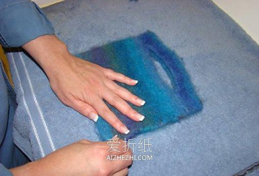 用羊毛纱线创意制作羊毛毡手提袋的方法- www.aizhezhi.com