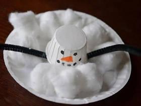用纸杯和纸盘做融化雪人的教程