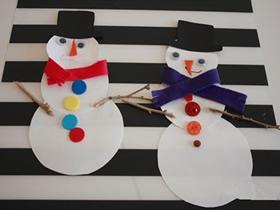 简单雪人粘贴画的做法