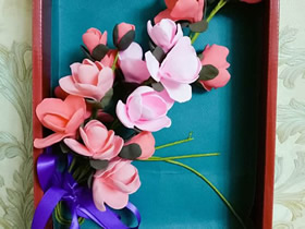 用粘土制作玉兰花装饰画的方法