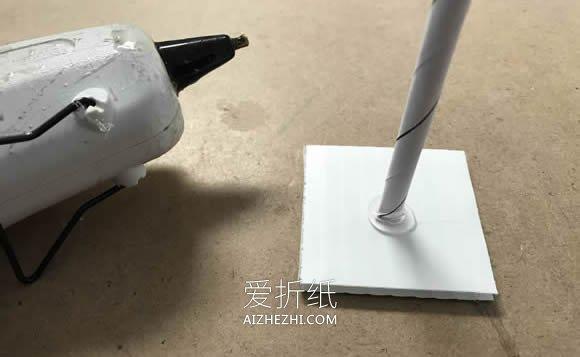 剪纸雪花制作美丽雪花树的方法- www.aizhezhi.com