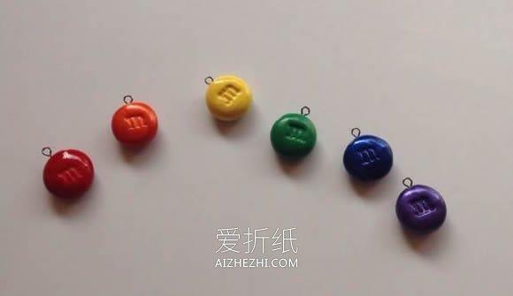 用粘土制作可爱又逼真MM豆项链的方法- www.aizhezhi.com