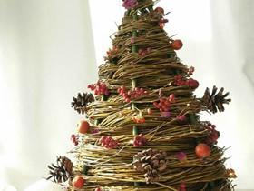用柳条做立体圣诞树的方法教程