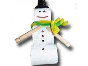 简单用卷纸芯做雪人的方法