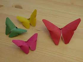 [视频]简单蝴蝶折纸方法教程