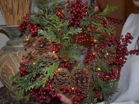 用松果做圣诞花环的方法图解