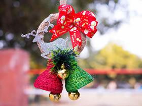 [视频]用可乐瓶制作圣诞铃铛装饰的方法