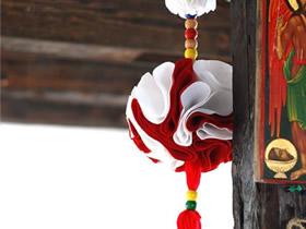 布艺彩球挂饰的制作方法