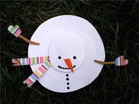 用卡纸简单做立体雪人的方法