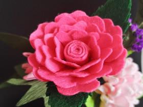 不织布玫瑰花的制作方法