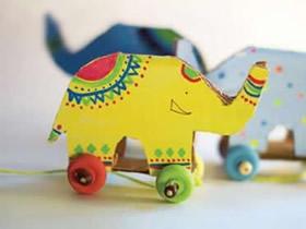 用硬纸板做大象玩具车的方法