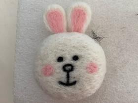 羊毛毡兔子的制作步骤图解
