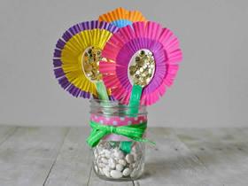 用蛋糕纸做母亲节花朵礼物的方法